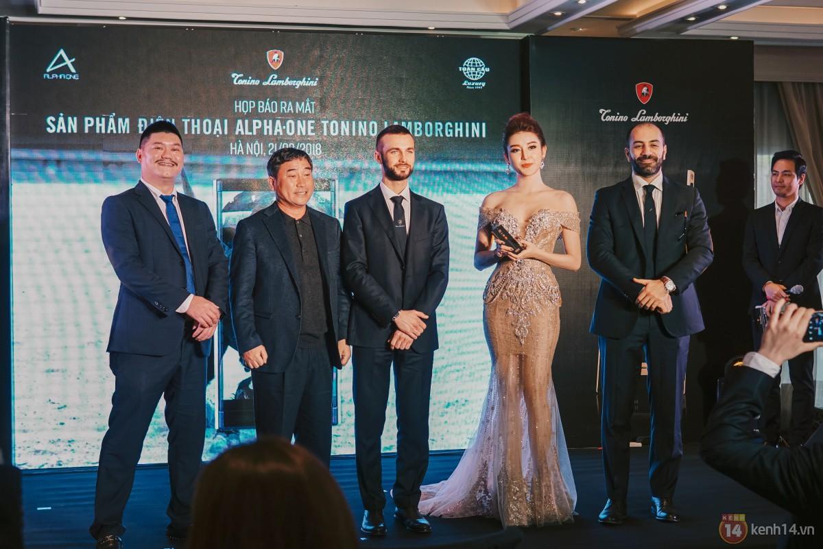 Ra mắt Lamborghini Alpha One tại Việt Nam: Siêu smartphone từ thương hiệu siêu xe, giá dự kiến 55 triệu đồng - Ảnh 2.