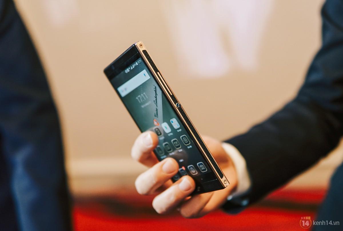 Ra mắt Lamborghini Alpha One tại Việt Nam: Siêu smartphone từ thương hiệu siêu xe, giá dự kiến 55 triệu đồng - Ảnh 11.