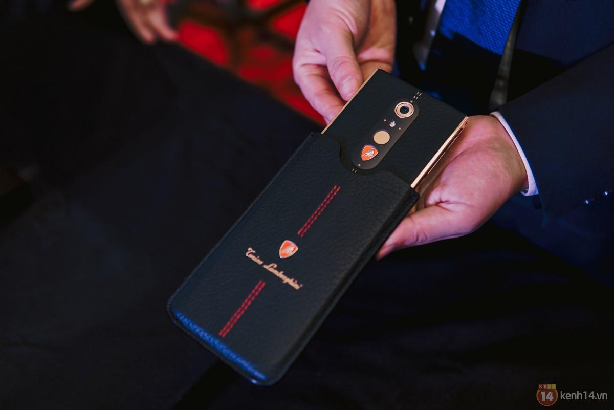 Ra mắt Lamborghini Alpha One tại Việt Nam: Siêu smartphone từ thương hiệu siêu xe, giá dự kiến 55 triệu đồng - Ảnh 1.